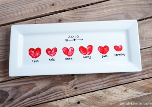 heart-thumbprint-platter-9-4-650x456.jpg